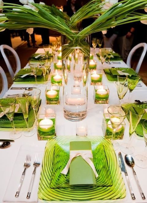 tropical table decor with greenery glass plates