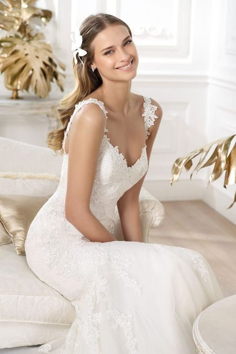 mermaid sweetheart wedding dress with lace straps