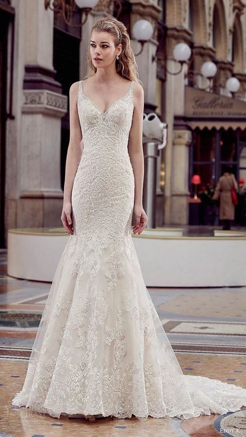 veaded straps V-neck lace wedding dress