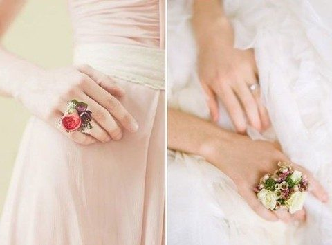 fresh bloom rings are amazing for garden brides