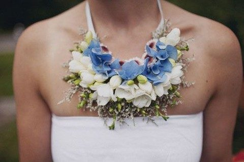 fresh flower necklace is a gorgeous statement