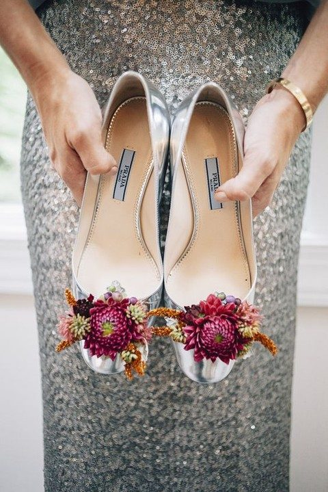 fresh flower shoes for the mother of the bride