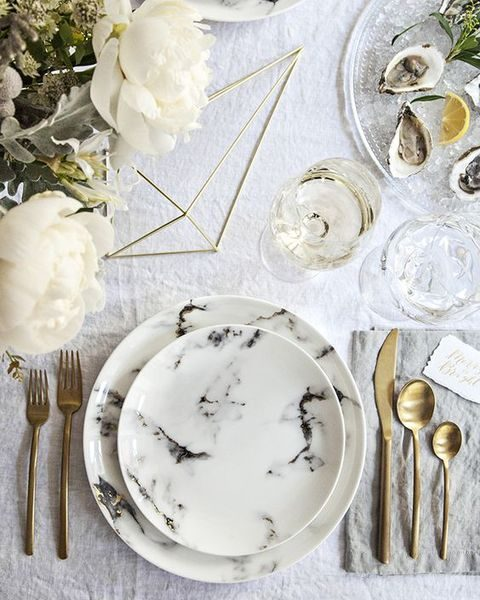 marble plates will make your table setting more refined