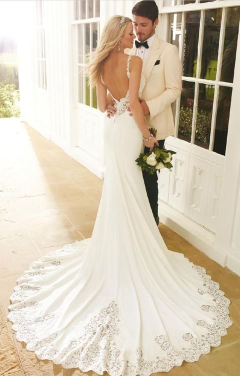 sexy mermaid wedding dress with lace rim and a small train