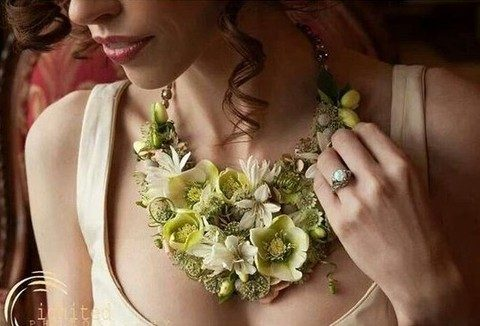 yellow and green flower necklace for the bride