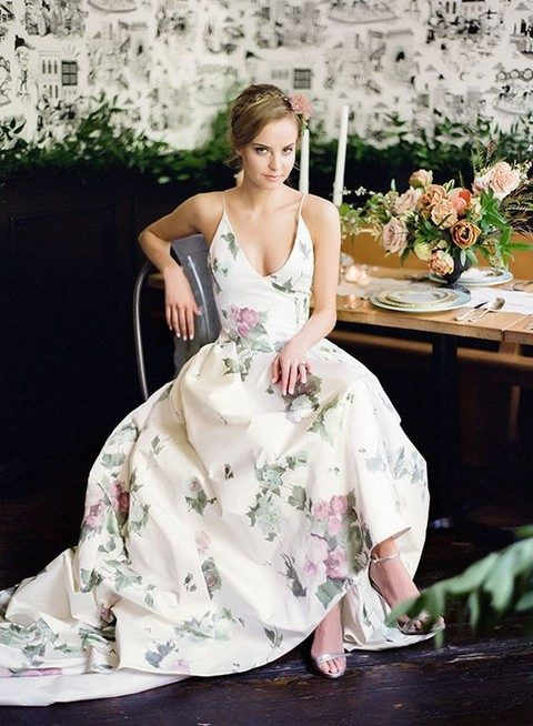 Gorgeous floral wedding dresses that inspire for Floral print dresses for weddings