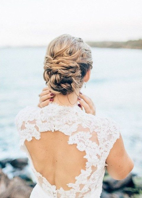 twisted messy wedding updo will be very long-lasting