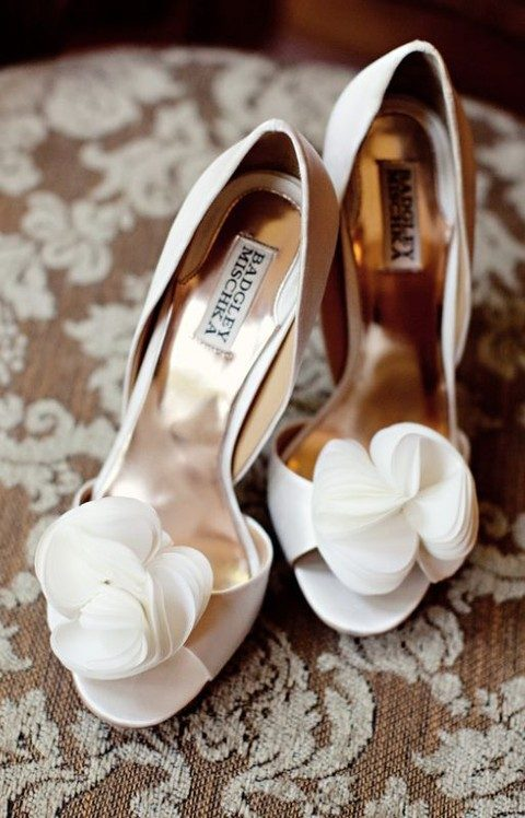 white peep toe Badgley Mischka shoes with white fabric flowers