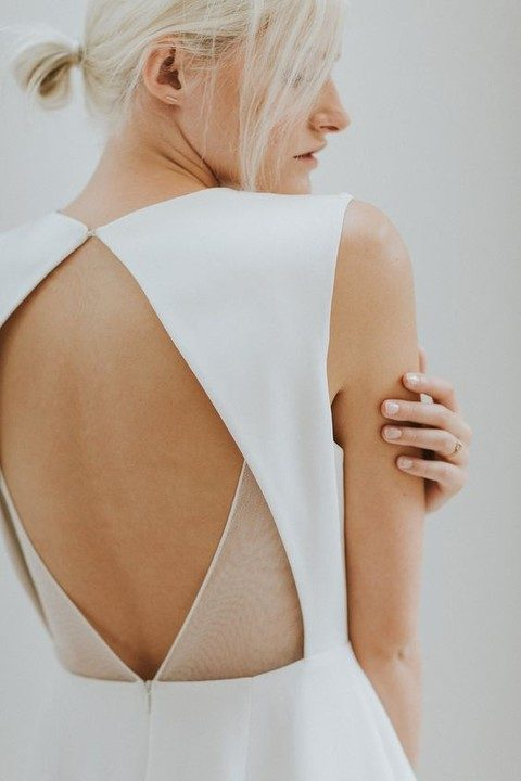 eye-catchy back detail with a sheer part