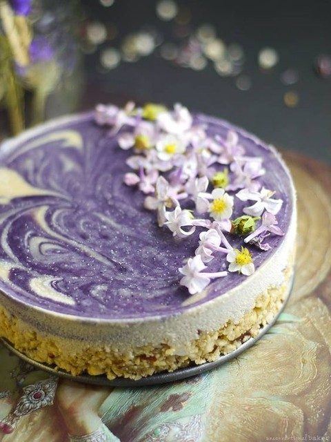 lilac cheesecake is amazing for a summer wedding