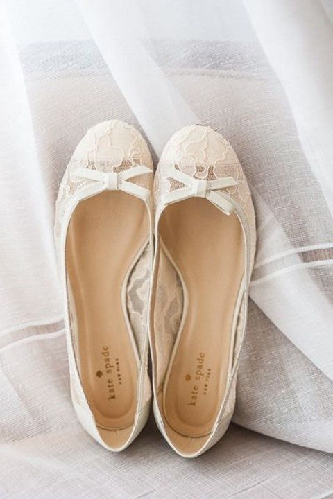 vintage-inspired lace wedidng flats with bows
