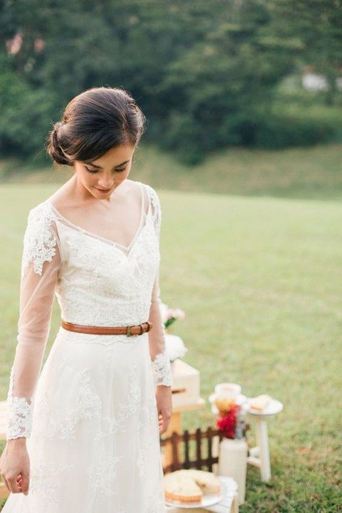 leather belt for a rustic vintage bride