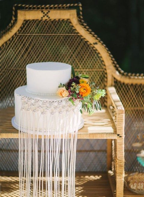 macrame cake decor looks very unusual
