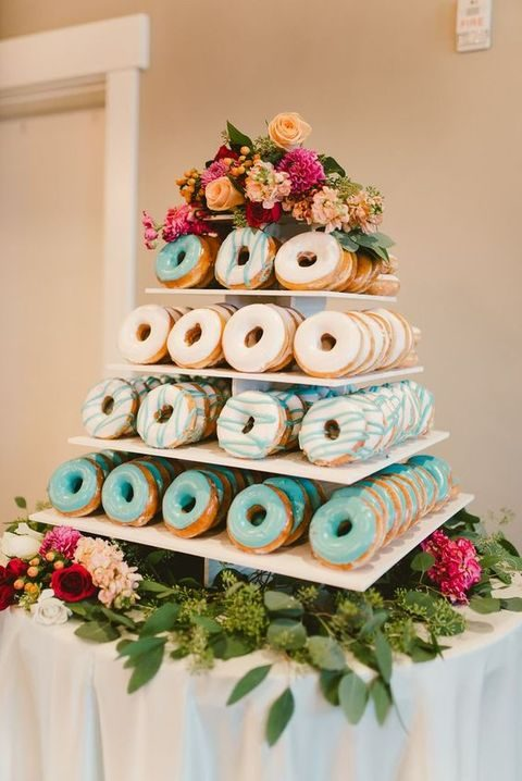 glazed donuts in white and turquoise to fit the wedding color scheme
