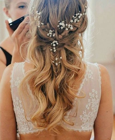 27 casual wedding hair ideas happywedd half up half down wavy wedding hair with a braid and babys breath junglespirit Choice Image