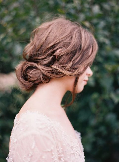 35 Beautiful Fall Wedding Hairstyles | HappyWedd.com