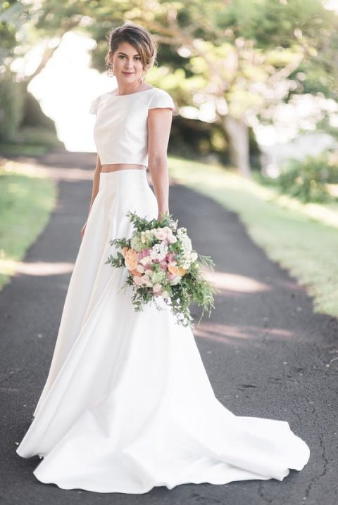 26 Edgy Minimalist Wedding Dresses | HappyWedd.com