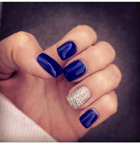 cobalt blue nails with a silver accent nail