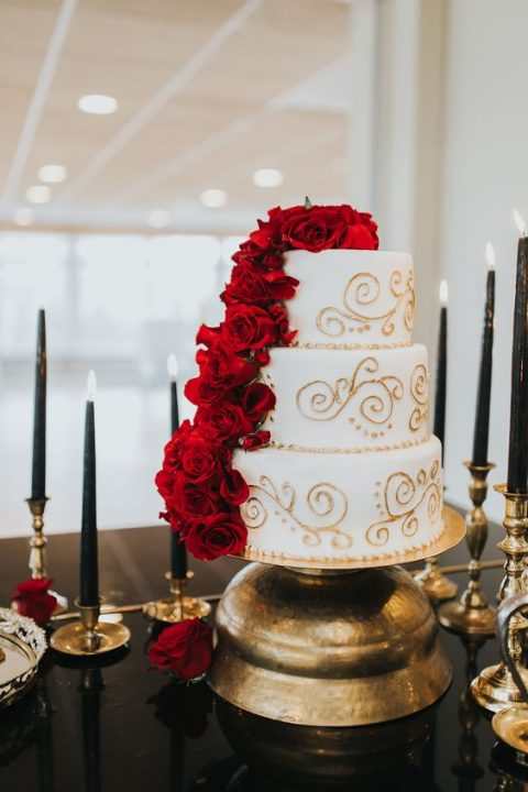 20 Elegant Red And Gold Wedding Ideas | HappyWedd.com