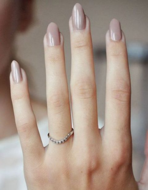 nude nails will fit a romantic bridal look