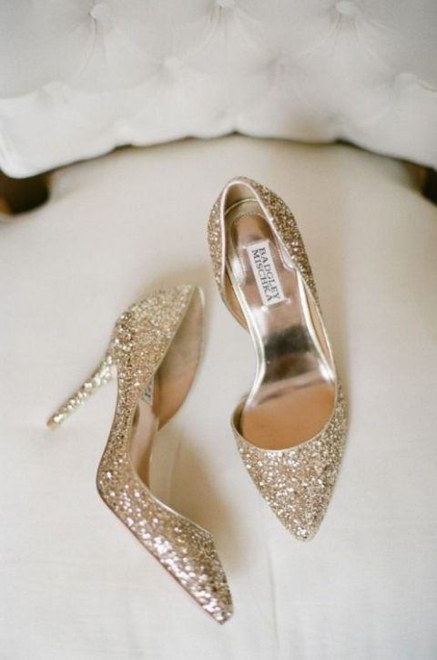 gold glitter wedding shoes for a glam winter bride