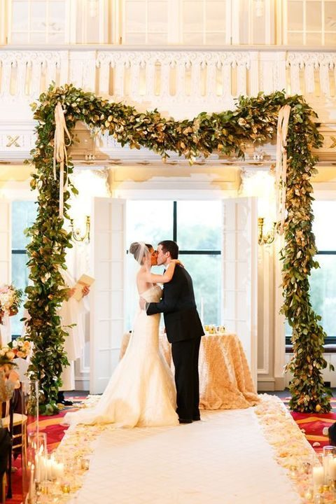 29 Trendy Indoor Wedding Backdrops And Arches | HappyWedd.com