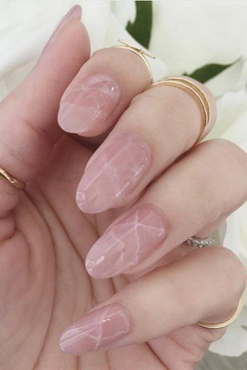 pink marble nails look very feminine and chic