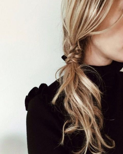 fishtail meets ponytail hairstyle is very casual and fast to make