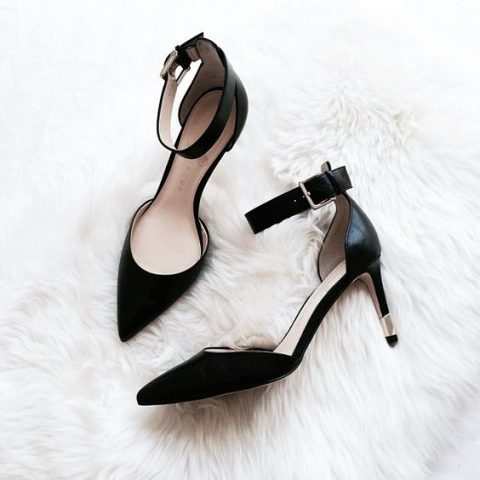 black ankle strap heels are a super elegant idea