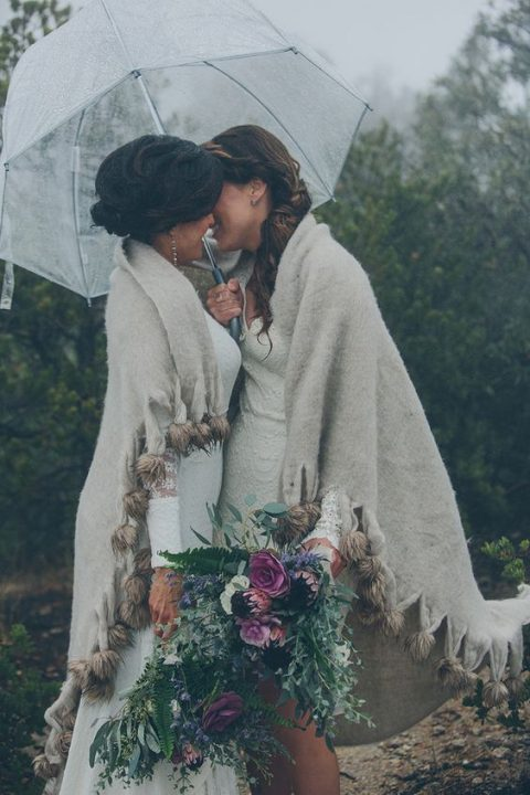 cover up together to feel comfy andd rock one umbrella for two