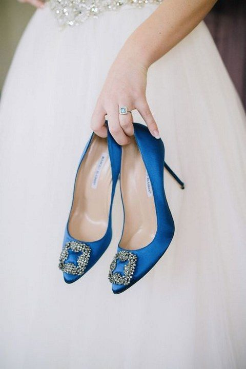 these embellished blue wedding shoes by Manolo Blahnik are famous