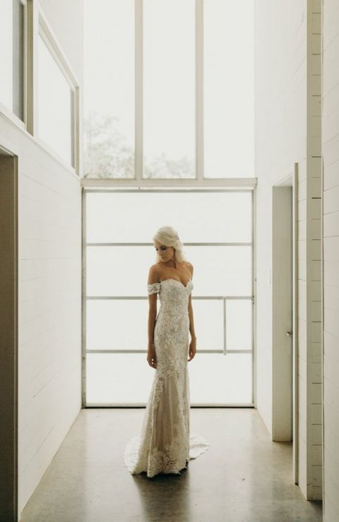 off the shoulder lace fitting wedding dress for an elegant and refined bridal look