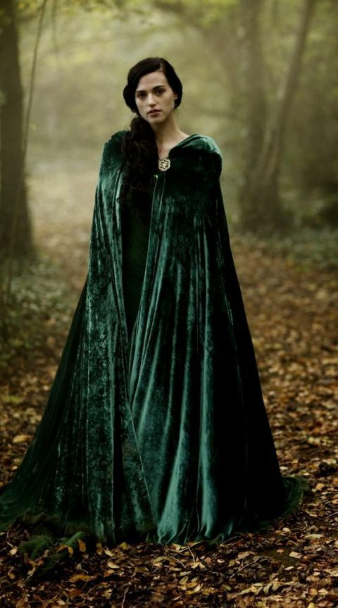 cover up with an emerald velvet coat to feel like an elvish princess
