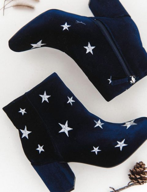 navy boots with star embroidery are a nice idea for a celestial wedding with a boho feel