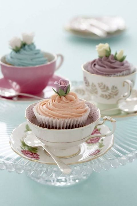 serve cupcakes in vintage tea cups - such an amazing idea