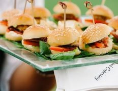 63 Awesome Ways To Serve Burgers At Your Wedding