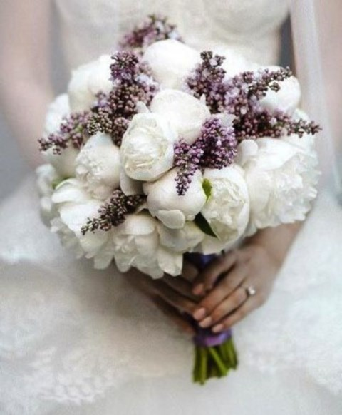 Unique And Beautiful Winter Wedding Bouquets Youll Love 28