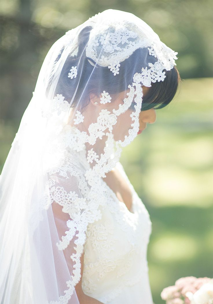 5 Ways And 40 Examples To Wear A Fabulous Mantilla Veil