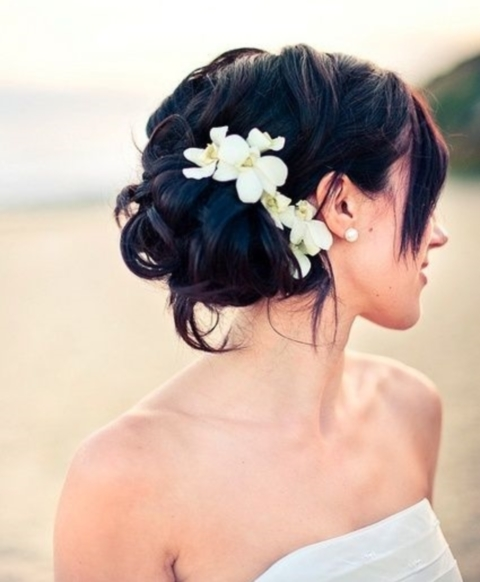 How To Rock Fresh Flowers In Your Hair: 65 Ideas