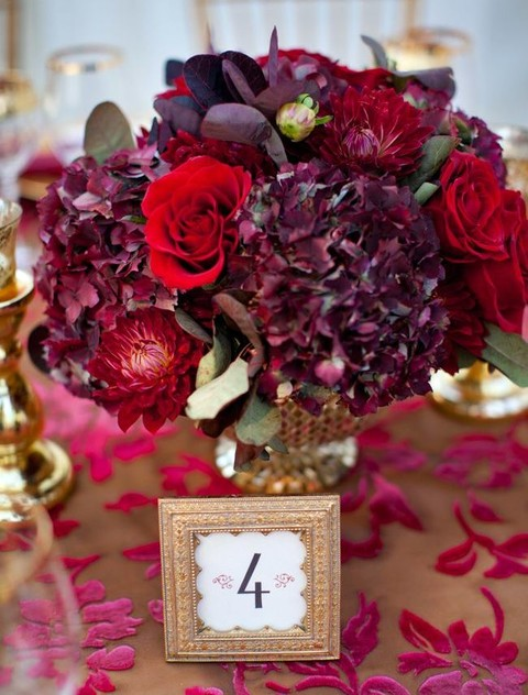 69 Dramatic Burgundy Wedding Ideas