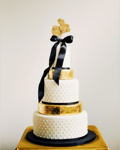 black and gold wedding cake table 80 adorable black and gold wedding ideas happywedd 11814