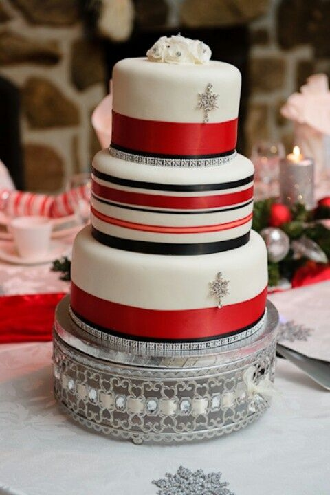 xmas themed wedding cakes 33 adorable wedding cakes happywedd 27680