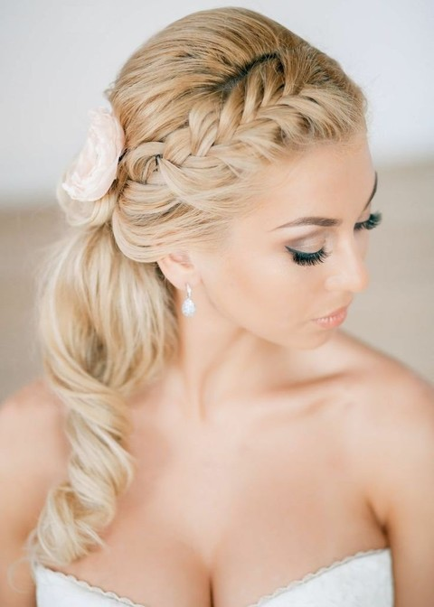 37 Classy Ponytail Hairstyles For Your Big Day
