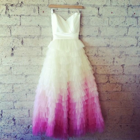 30 Delicate And Dreamy Ombre Wedding Dresses