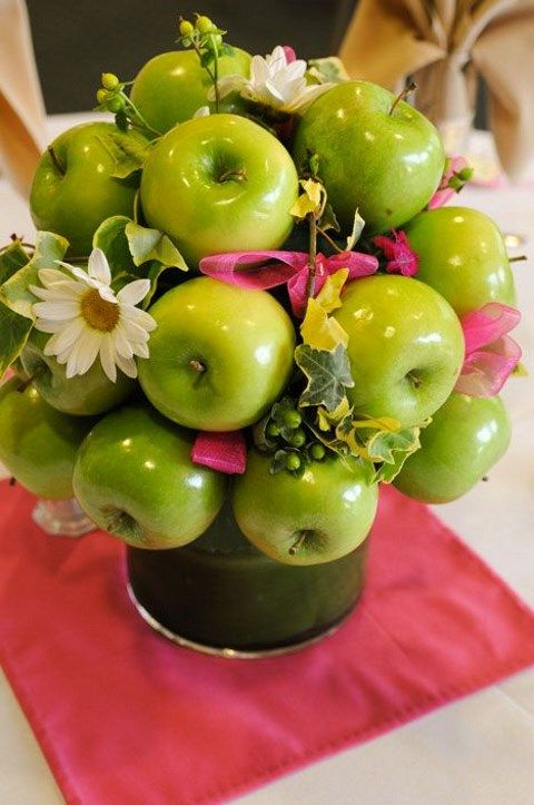 63 Ideas To Incorporate Apples Into Your Wedding | HappyWedd.com