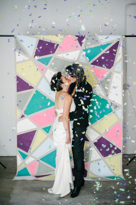 23 DIY Wedding Photo Booth Backdrops You'll Love