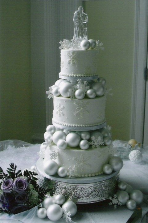 winter wonderland themed wedding cakes 60 adorable winter wedding ideas happywedd 27570