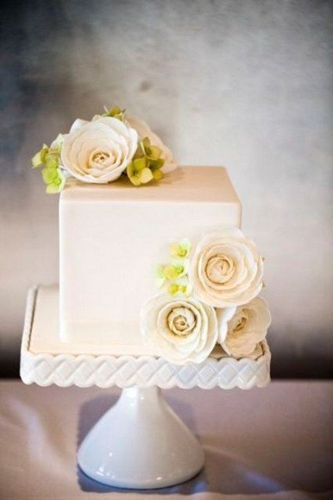 small square wedding cake pictures 53 square wedding cakes that wow happywedd 20221