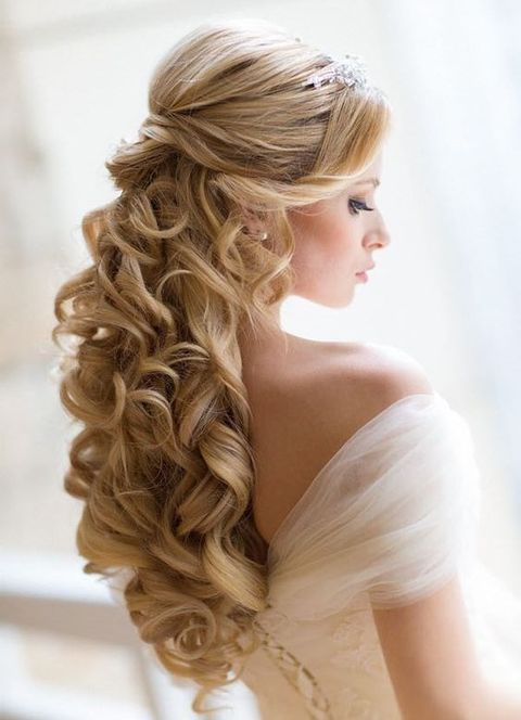 Breathtaking Wedding Hairstyles With Curls Happywedd Com