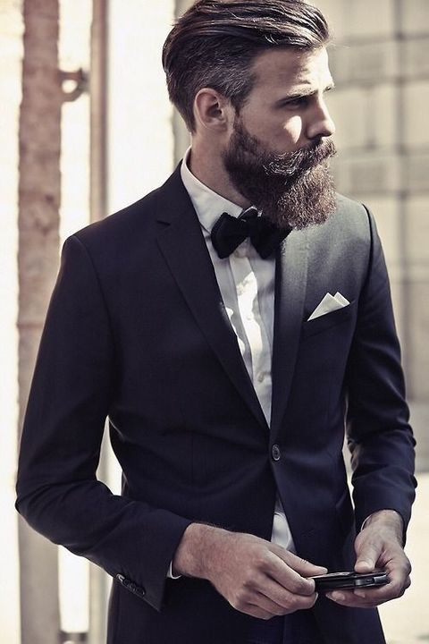 39 Grooms That Fabulously Rocked Beards On Their Big Day